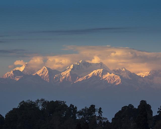 himalayas-778418_640