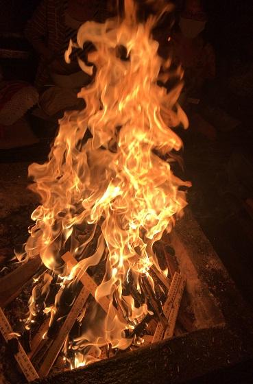 2021年6月ご神木プージャの炎