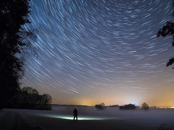 star-trails-2234343_640